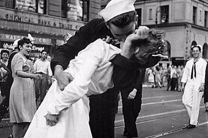 """Una campaña en Change.org recoge firmas para que Madrid cuente con una calle """"del beso"""""""