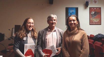 Las profesoras Montserrat Jurado y Beatriz Peña presentan el libro 'Periodismo cultural en el siglo XXI (I)'