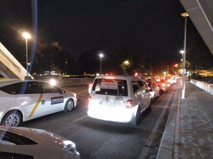Élite calcula unos 500 taxis en su nueva manifestación en Sevilla y prepara dos movilizaciones más
