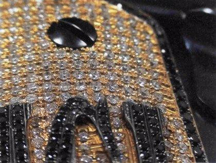 Así es la pistola de oro y diamantes de 'El Chapo'