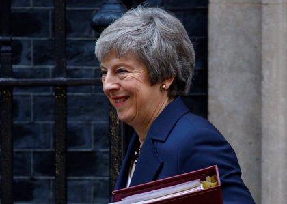 """May destaca """"progresos"""" en su reunión con Juncker sobre el Brexit y anuncia que volverá el sábado a Bruselas"""
