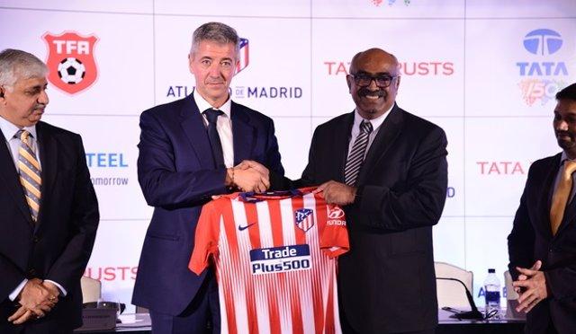 El Atlético de Madrid y el grupo TATA firman un acuerdo estratégico