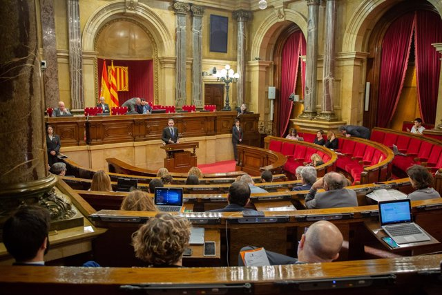 Nueva polémica en el Parlament por la llamada al orden de Torrent a Cs