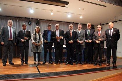 ASEDEF reconoce a Enrique Ruiz (PP) y José Martínez (PSOE) por la mejor iniciativa legislativa y trayectoria pública