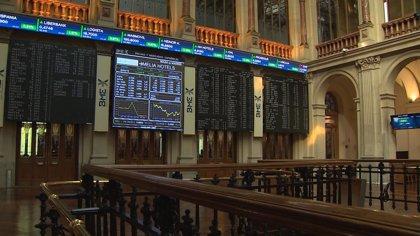 El Ibex 35 sube un 0,1% en la apertura y se aferra a los 8.900 con el crudo de nuevo a la baja