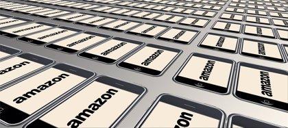 Sindicatos cifran hasta en un 90% los paros en Amazon y la empresa dice que la mayoría están trabajando