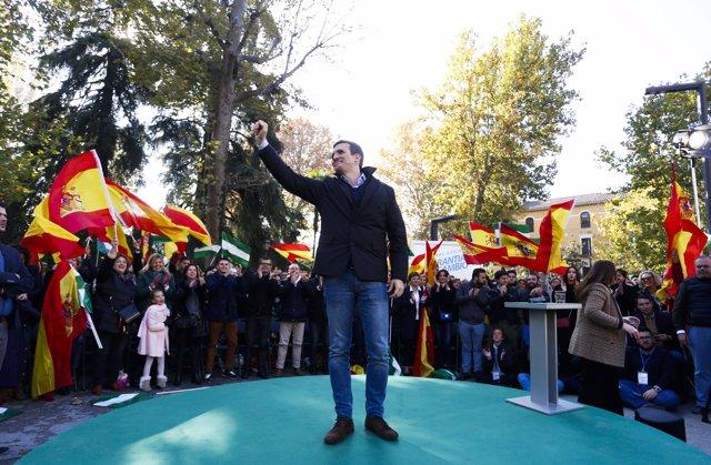 Pablo Casado en un mitin en Granada