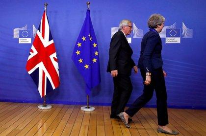 Los líderes europeos dan este domingo su aval al acuerdo del Brexit tras salvar la amenaza de veto de España