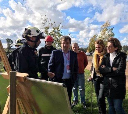 La ministra para la Transición Ecológica visita en Badajoz los trabajos de la UME y CHG para limpiar el camalote