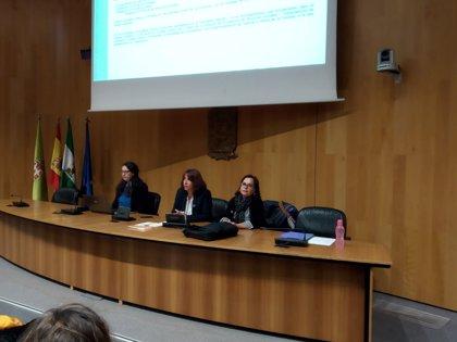Sanitarios y servicios sociales reciben formación sobre el protocolo de coordinación en la provincia de Granada