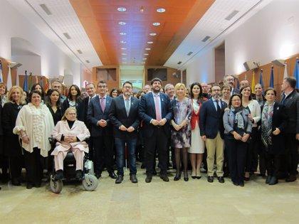 Gobierno regional y Cs firman un Pacto contra la Violencia de Género con 69 medidas y 8 millones de dotación