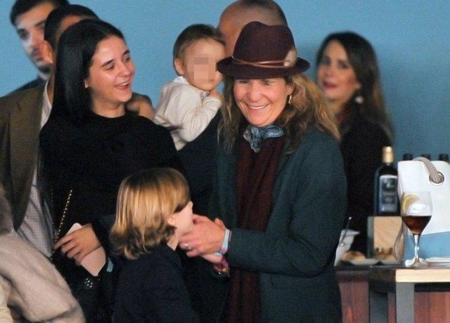 LA INFANTA ELENA Y VICTORIA FEDERICA EN LA MADRID HORSE WEEK