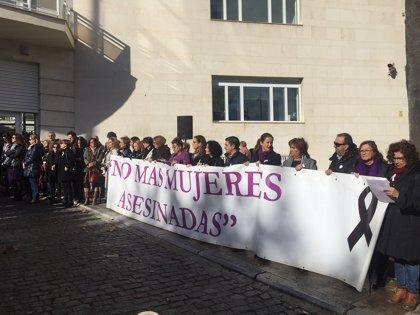 Reyes participa en un acto contra la violencia de género organizado por la Comisión de Igualdad de Jaén
