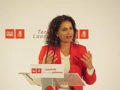 """Montero insta a todas las administraciones a """"ir de la mano"""" contra la violencia hacia las mujeres"""