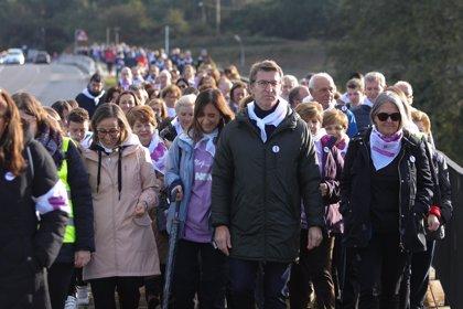 """Unas 200 personas recorren el último tramo del Camino para mostrar su """"absoluta repulsa"""" a la violencia machista"""