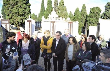 Los trabajos en la fosa del cementerio de Castelló localizan a uno de los represaliados buscados y cuatro cuerpos más