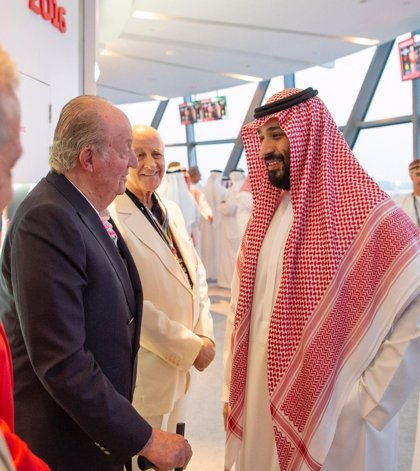 El Rey Juan Carlos se fotografía con el príncipe heredero saudí en medio de la polémica por el asesinato de Jashogi
