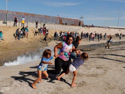 """México deportará a unos 500 migrantes que trataron de entrar en EEUU """"de forma violenta"""""""