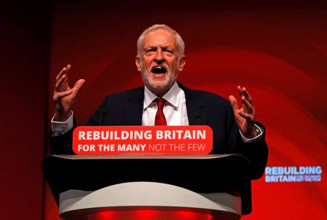 Jeremy Corbyn ante el congreso del partido laborista