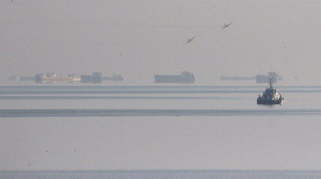 Buques rusos en el estrecho de Kerch.