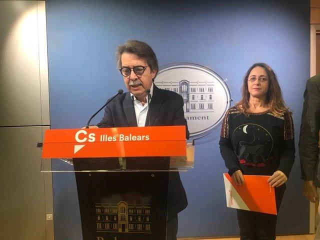 El Portavoz Parlamentario De Ciudadanos, Xavier Pericay
