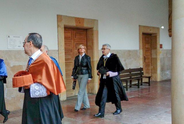 EL rector Santiago García Granda preside el acto de Santa Catalina