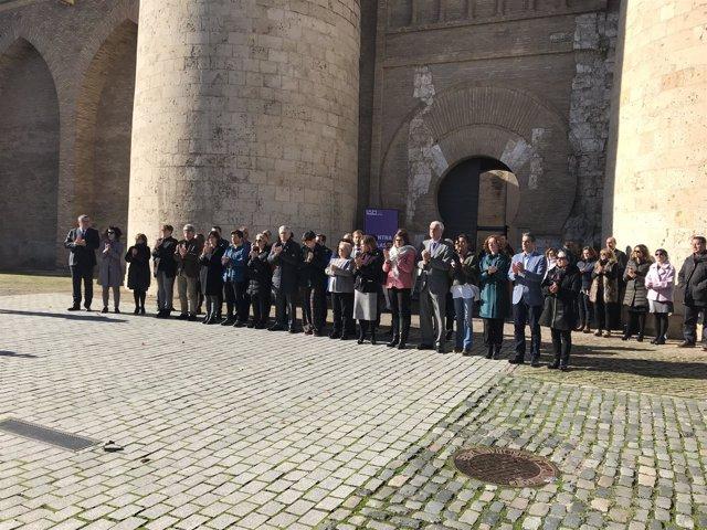 Minuto de silencio en las Cortes de Aragón