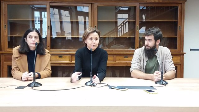 ANA BRAÑA (FORO). CARMEN MORIYÓN (ALCALDESA GIJÓN), Y ALEX GALÁN