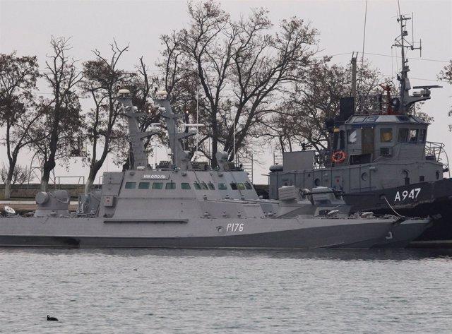 Los buques ucranianos capturados por Rusia, en el puerto de Kerch, en Crimea