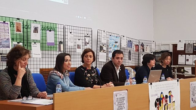 López participa en una actividad con del Día contra la Violencia de Género