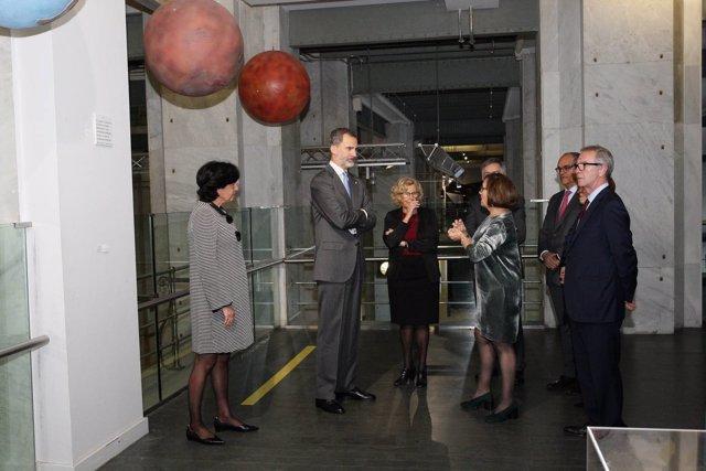 El Rey Felipe VI con Manuela Carmena, José Guirao y Rafael van Grieken