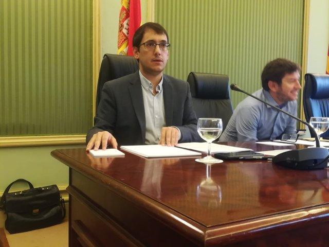El conseller de Trabajo, Iago Negueruela, al inicio de su comparecencia