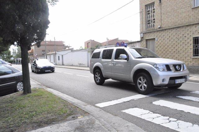 Varios vehículos han trasladado y escoltado a Silva Sande hasta el IMLA