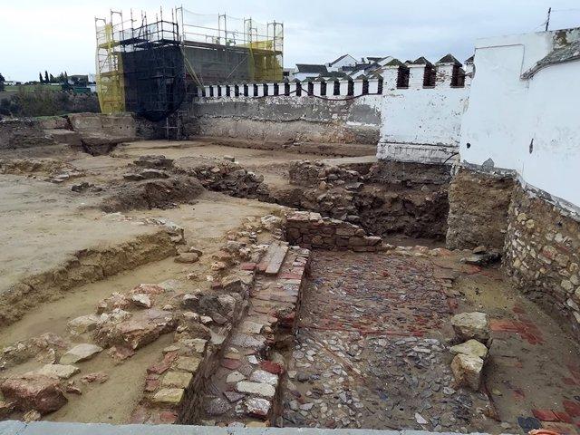 Excavaciones en el yacimiento arqueológico