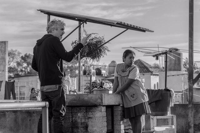 El director Alfonso Cuarón, en el rodaje de 'Roma'