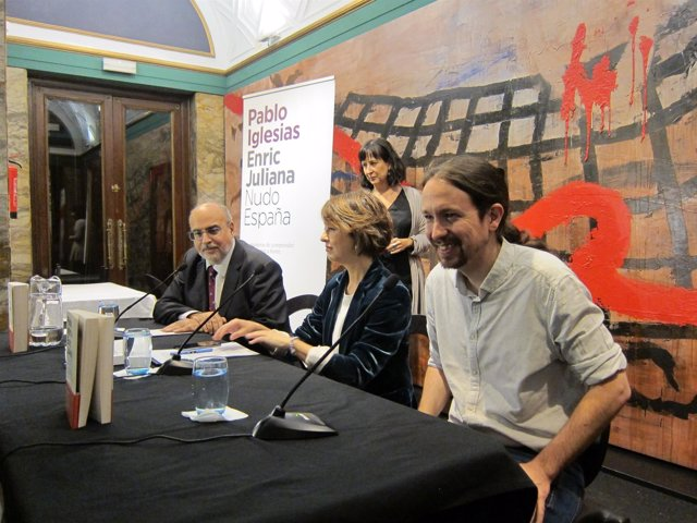 Pablo Iglesias y Enric Juliana han presentado esta tarde su libro en Zaragoza