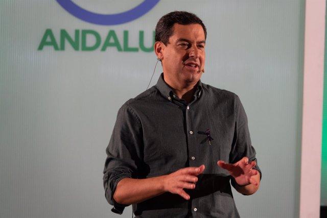 En Torremolinos, el presidente del PP-A, Juanma Moreno