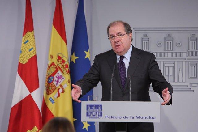 Reunión de Pedro Sánchez con el presidente de Castilla y León, Juan Vicente Herr
