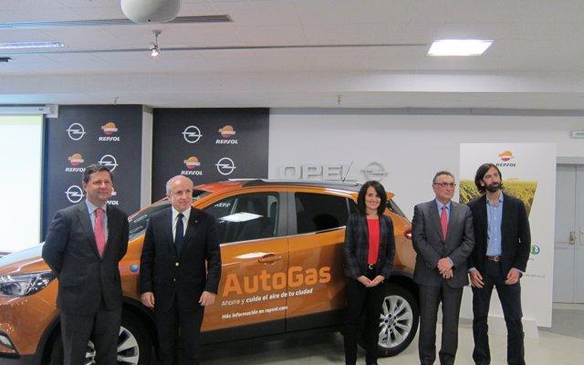 Opel y Repsol apuestan por el AutoGas como alternativa 'real' y combustible ecológico y económico