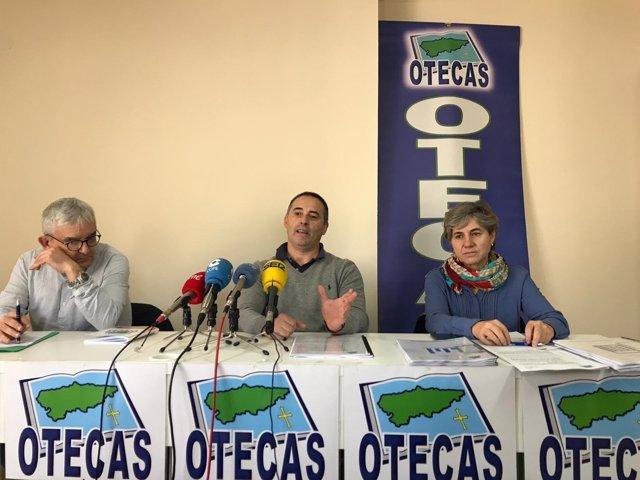 Juan Luis Barrera, José Manuel Cueto y Rosa Pérez