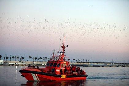 Rescatadas 360 personas en siete pateras en el mar de Alborán y una piragua en el Estrecho