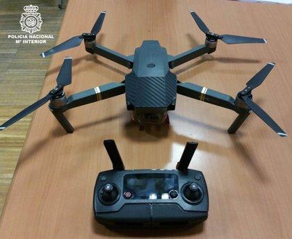 Detenido por volar un dron durante el encendido de las luces de Navidad de Vigo