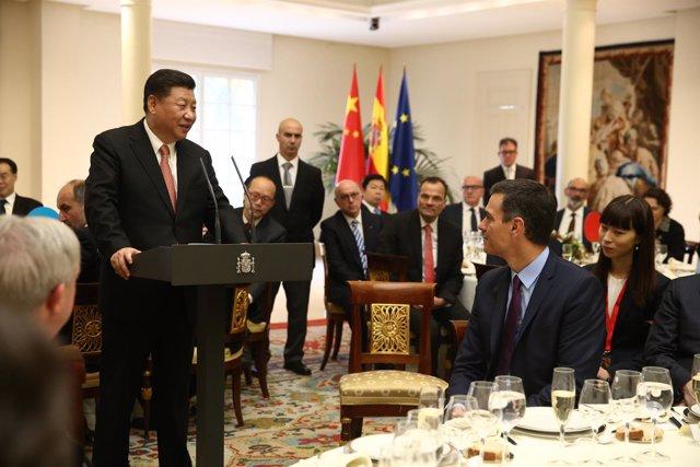 Pedro Sánchez y el presidente de China Xi Jinping durante el almuerzo oficial en
