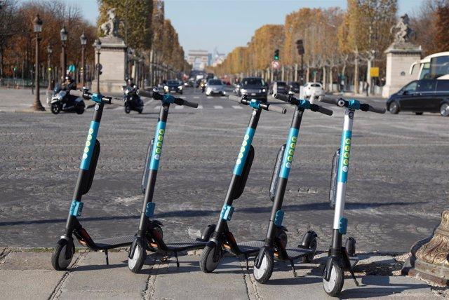 Patinetes eléctricos en París