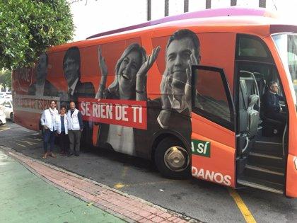 El bus de Cs con la imagen de Junqueras, Puigdemont, Díaz y Sánchez atraviesa la provincia de Córdoba