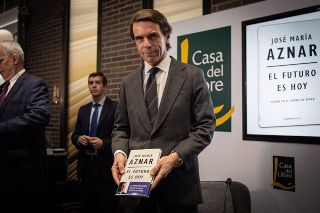 El expresidente Aznar presenta su libro El futuro es hoy en Barcelona