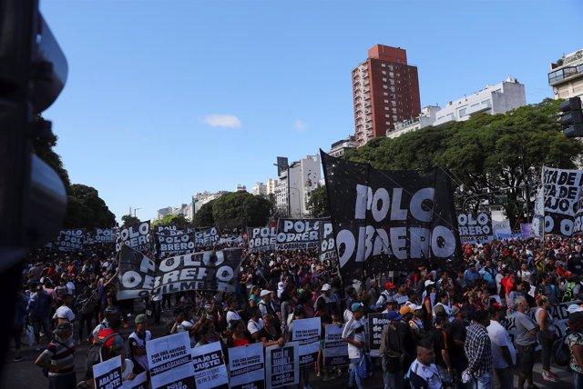 Manifestación en Buenos Aires contra la cumbre del G-20 en Argentina