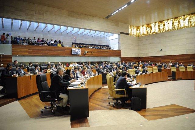 dfd07aa7ac40 Aprobada la Ley de Ordenación Territorial y Urbanística Sostenible de  Extremadura con la única abstención de Podemos