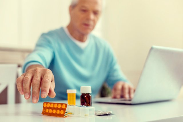 Autodiagnosticarse, disfunción eréctil, salud en internet