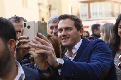 """Rivera advierte de """"la Cataluña real y la ficticia del separatismo"""" ante la huelga en la sanidad"""